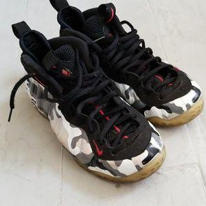 Nike foam size 10